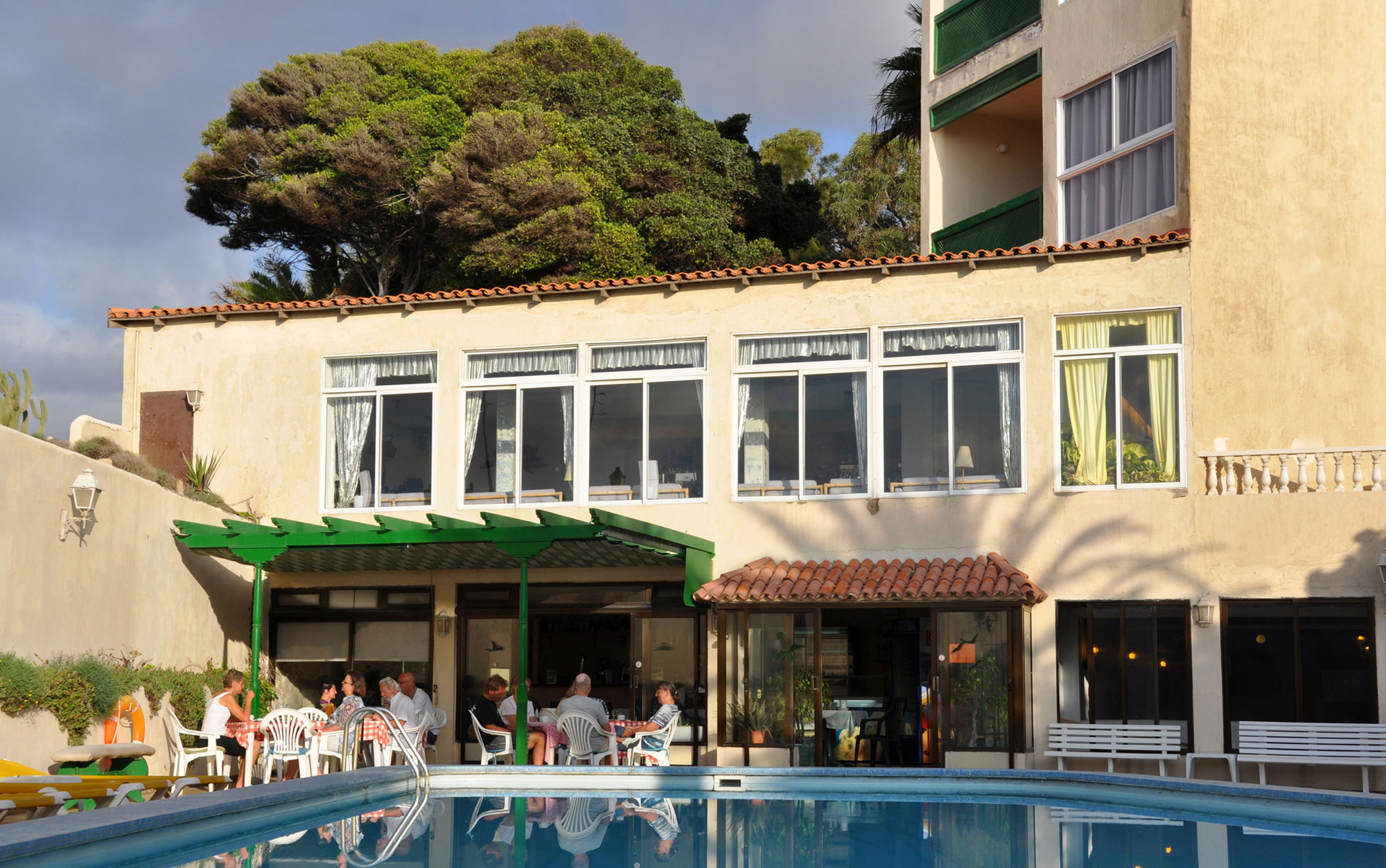 Bar Piscina,Hotel Playa Sur Tenerife,